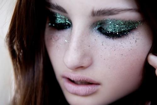 girl-make-up-fashion-glitter-Favim.com-567035