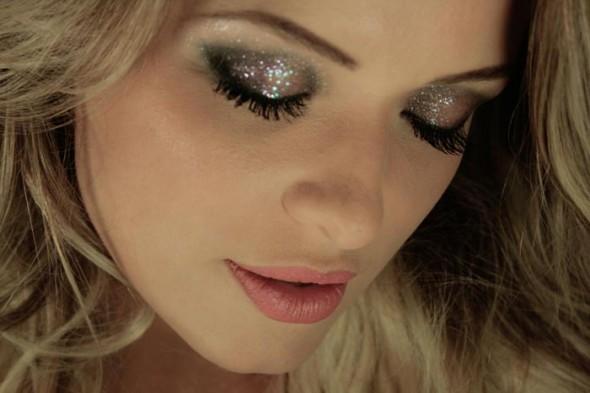 glitter-nos-olhos-e1329407779622