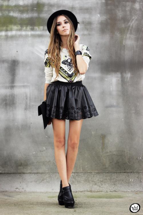 fashioncoolture-03-02-2013-look-du-jour-awwdore-jumper-moletom-hat-asos-romwe-clutch-1