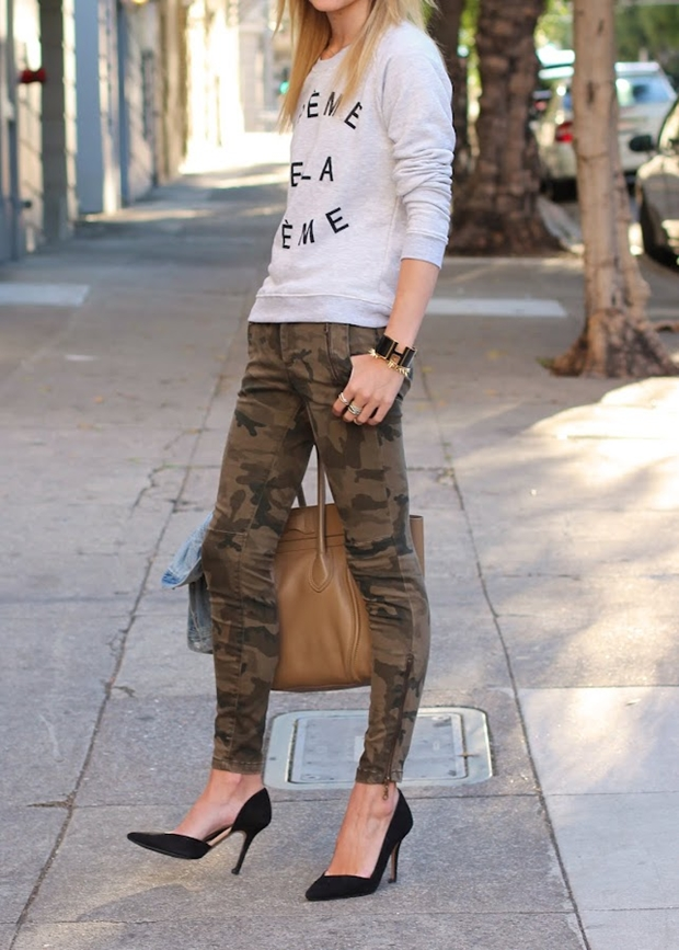 Look-Blair-Eadie-calca-camuflada2