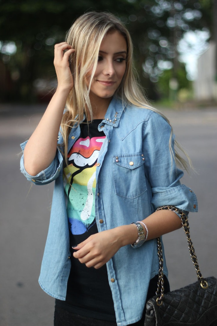 look-da-onca-camisa-jeans-spikes-zara-camisa-rolling-stones-hm-saia-renda-zara-bolsa-matelasse-opcao-sandalia-rosa-nude-louboutin2